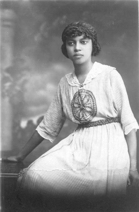 photo de Suzanne Sylvain prise en février 1919 D.R. photo léguée par M. Jean Comhaire à K. Gyssels