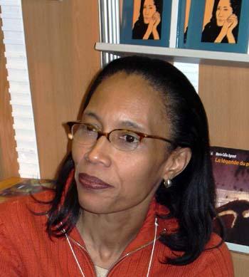 à Montréal pour le Salon du Livre, 11 novembre 2003 photo © Mémoire d'encrier