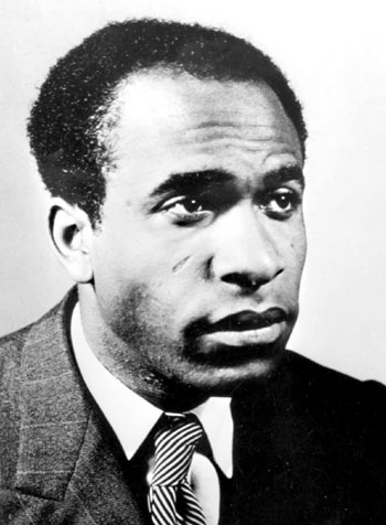 Frantz Fanon, photo © Éditions du Seuil, D.R. Paris, vers 1952