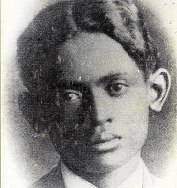 photo de Ratany de l'édition de ses poèmes chez Ambozontany