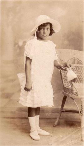Odette Roy Fombrun, Première Communion