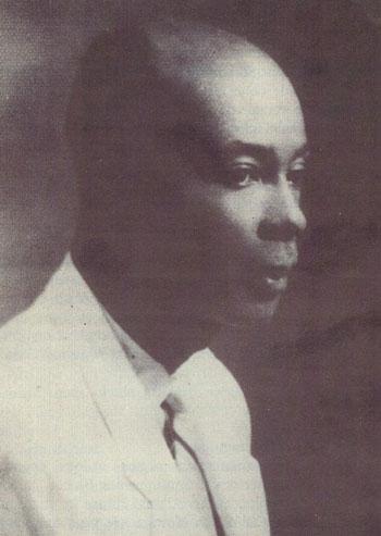 Maurice Casséus, photo: vers 1940 photo tirée de l'ouvrage Histoire de la littérature haïtienne illustrée par les textes de R. Berrou et P. Pompilus (tome 3, p. 523). Port-au-Prince: Éditions Caraïbes, 1977.