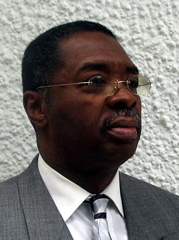 Jean-Robert Léonidas, photo © Melissa Léonidas Brooklyn, New York, juin 2005