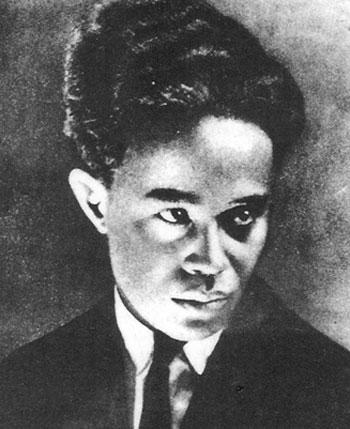 photo non-attribuée de Rabearivelo reprodruite dans de nombreuses publications, dont Jean-Joseph Rabearivelo, cet inconnu (1989)