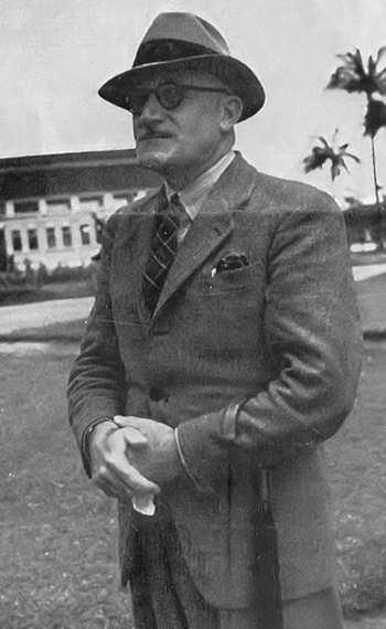 Malcolm de Chazal, photo des archives de R. Furlong, D.R. Curepipe, vers 1950